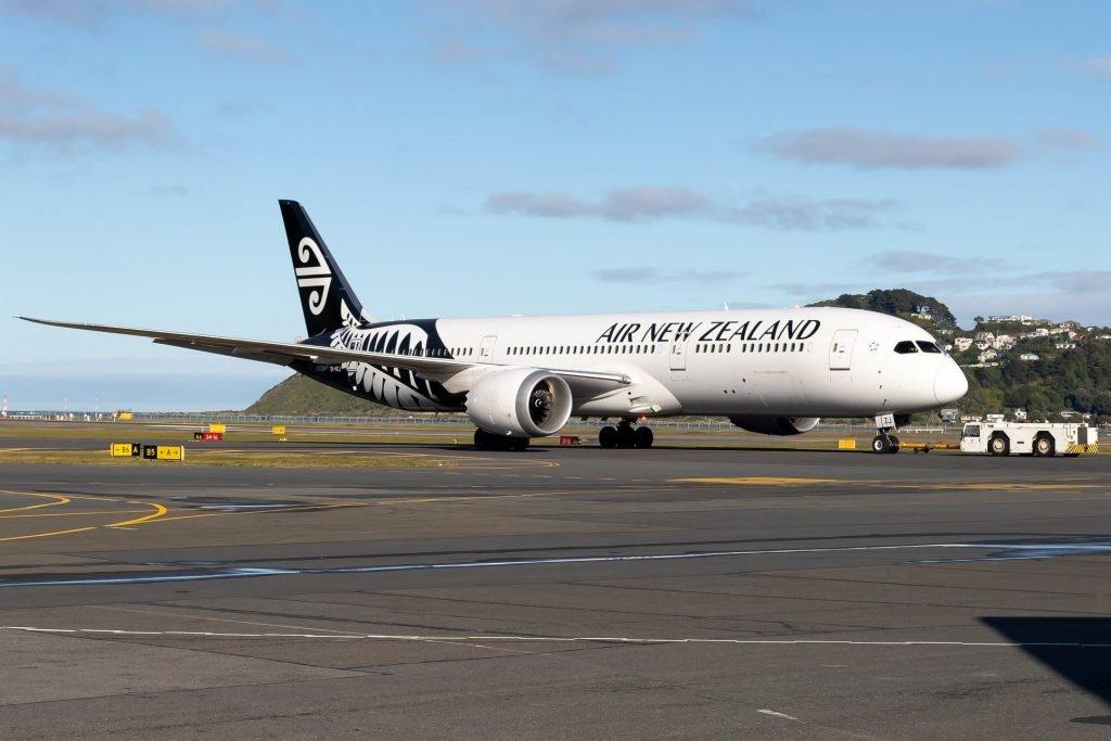 Air New Zealand Boeing 787 Dreamliner departing Wellington Airport