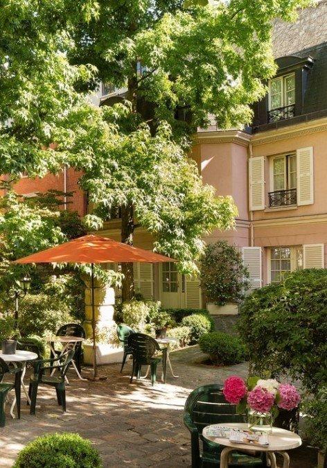 Hotel des Grandes Ecoles, Paris