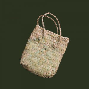 Traditional kete presentation basket