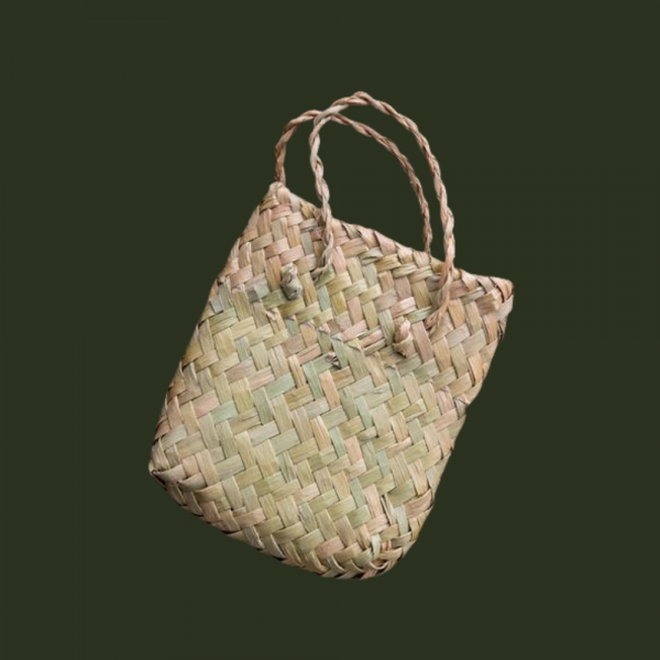 Traditional kete presentation basket
